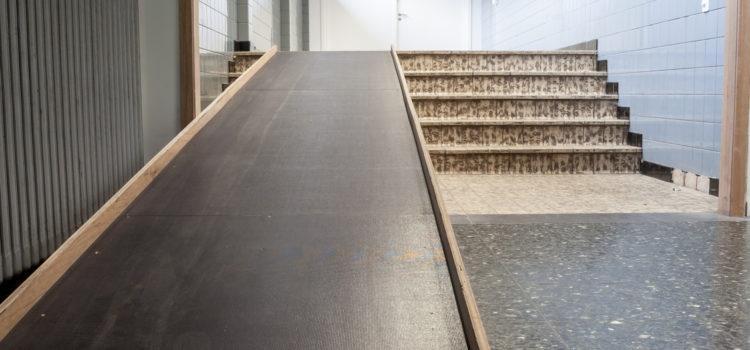 Jak dostosować budynek do potrzeb osób niepełnosprawnych ruchowo